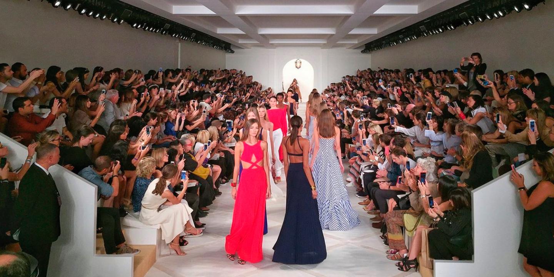iPhone 6s Plus โชว์ถ่ายรูป New York Fashion Week
