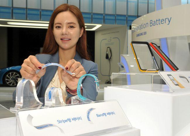 Samsung เปิดตัวแบตเตอรี่โค้งงอสำหรับอุปกรณ์สวมใส่