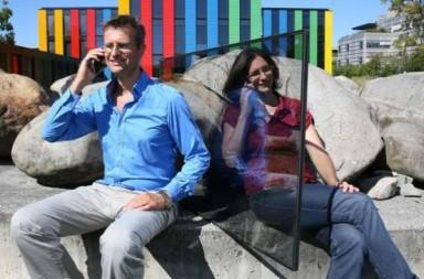 Insulating-glass-windows-enhance-mobile-reception